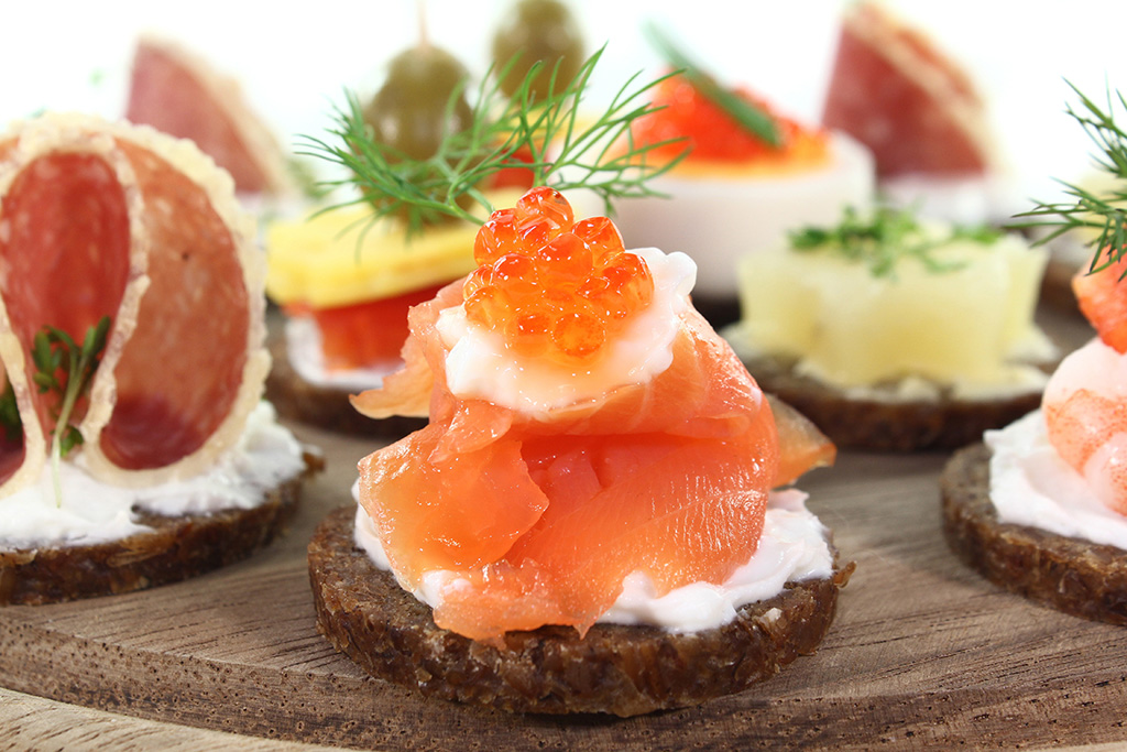 cropped-2554172-canapes.png